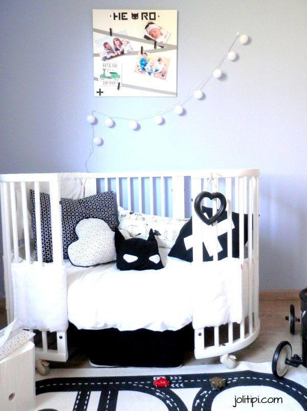 stokke lit blanc enfant coussin nuage coussin super h ro d co chambre enfant noir et blanc. Black Bedroom Furniture Sets. Home Design Ideas