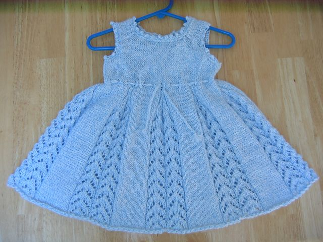 Baby Dress Free Knitting Pattern : 17 Best images about Knitting-babies-dresses&skirts on Pinterest Free p...