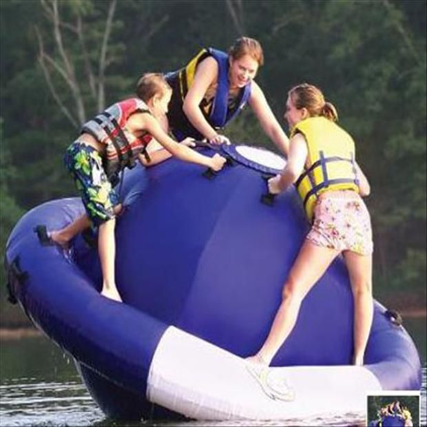 Floating Fun! – 18 Pics