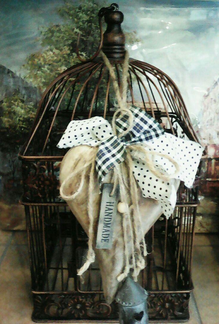 Ένα κλουβί μπορεί να είναι όμορφο