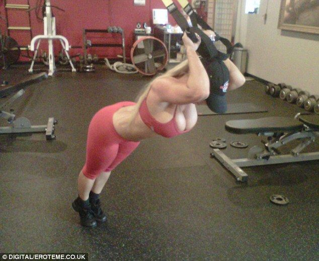 No Prizes For Guessing Who This Is Working Out Skimpily Dressed Coco Austin Uses Suspension Training To Boost Her Curves Best Funny Videos Gym Coco Austin