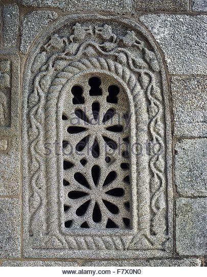 pre-romanesque-art-spain-galicia-church-of-san-gines-in-francelos-f7x0n0.jpg (405×540)