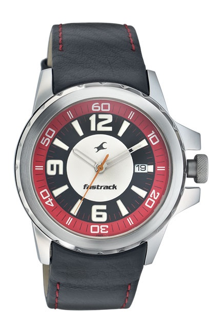 A large round case with a serrated bezel ring, a thick black leather strap, a large date window at 3H and a chunky crown make this watch a rugged, sporty timepiece.. Sport from Fastrack http://www.fastrack.in/product/3029sl03/?filter=yes=sport=2=995=3495=12