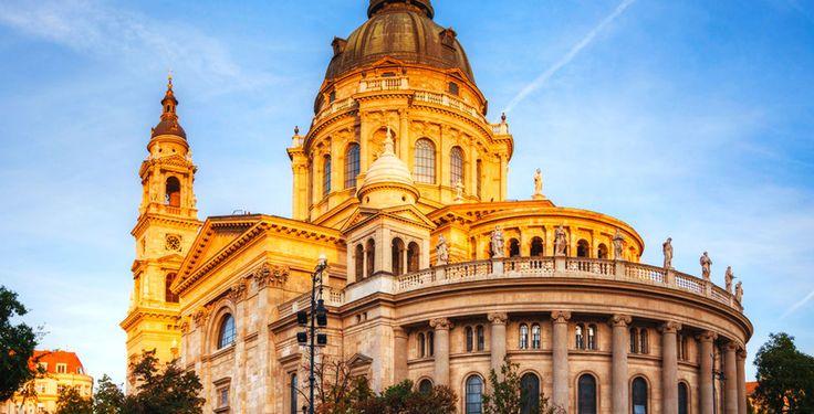 Geniesse eine unvergessliche Städtereise in die wunderschöne Stadt Budapest!  Verbringe 2 bis 5 Nächte im 4-Sterne Hotel Mamaison Andrassy. Im Preis ab 169.- sind das Frühstück sowie der Flug inbegriffen.  Buche hier deine Städtereise: https://www.ich-brauche-ferien.ch/ferien-deal-budapest-mit-flug-und-hotel-fuer-169/