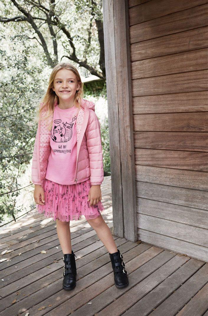 Lefties Kids, se adapta a los gustos y necesidades de los más pequeños de la casa. En esta nueva colección cápsula para otoño, las niñas se visten de rosa.