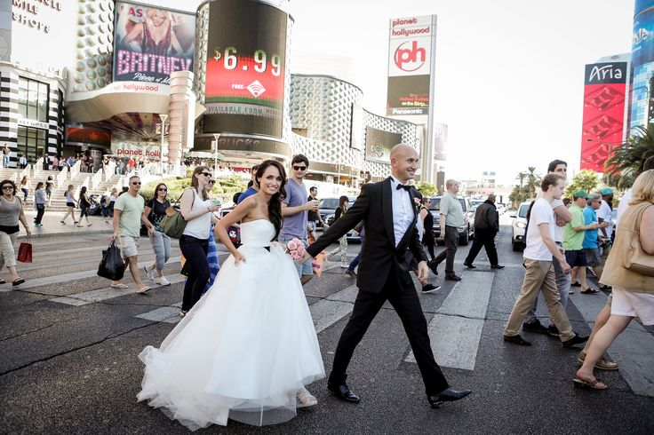 Las Vegas wedding tip: Take a Las Vegas Strip Wedding Photo session, you won't regret it!