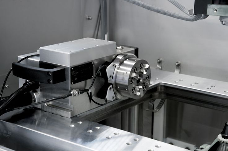 Five controlled servo axes - The machine can be equipped with a rotating axle acting as a slave to the movement of the X, Y, U and V axes. This function permits execution of complex shapes that otherwise would be impossible.