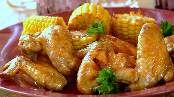 Easy dinner recipes don't get much easier than this! Simply throw the chicken wings and corn into the bag and, hey, presto… dinner is done!