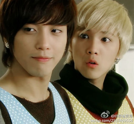 """Pic from the drama """"You're Beautiful"""" - Lee Hong Ki (who is adorable in that show, btw) and the gorgeous Jung Yong Hwa."""