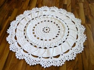 Actual instructions for a #crochet doily rug - not just a dead-end pin! FINALLY!!!!!!!