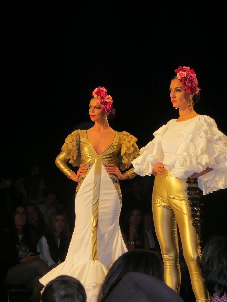 Conjuntos #vestido y traje formado por camisa y pantalón de María de Gracia en #Simof 2015. #tendencias #modaflamenca