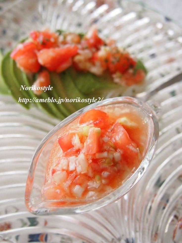冷奴やアボカド、お肉のタレにも!塩だれをトマトでさっぱりさせたタレは、何でも合うのでオススメです。
