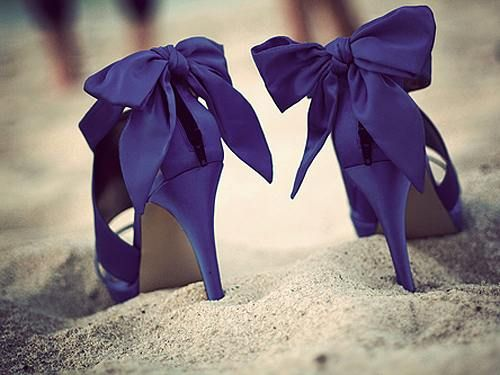 love the color and bows and everything!