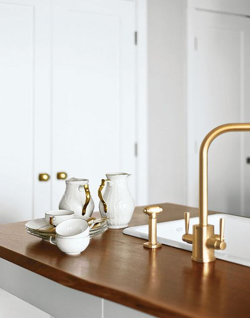white, gold & wood.Gold Fixtures, White Gold Kitchen, Bathroom Hardware, White And Gold Interiors, Gold Bathroom Fixtures, White And Gold Kitchens, Brass Fixtures, Gold Accent, Wood Countertops