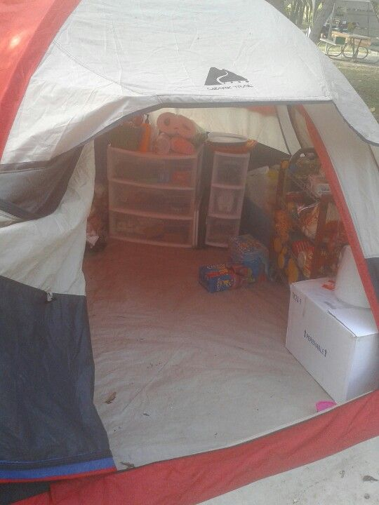 Extra tent..such a good idea, store all the food and extras, that way the pop-up wont be overcrowded.