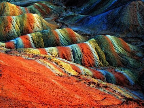 この世のものとは思えない鮮やかな色…中国の世界遺産「丹霞地形」 : らばQ