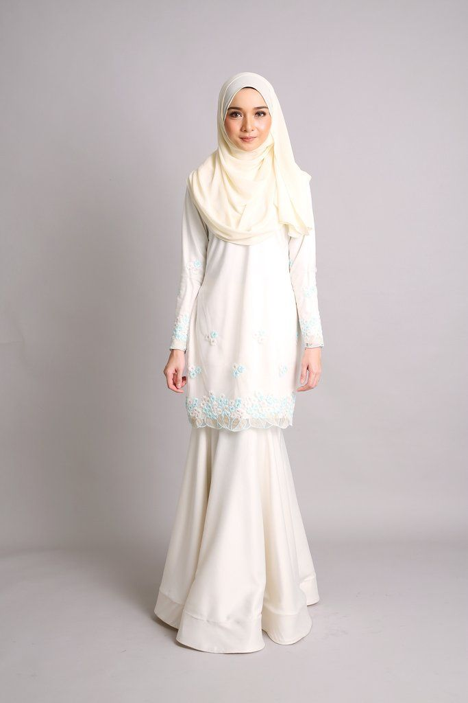 -Fabrics : Imported Soft Satin with Organza Flower Lace - Kurung modern with mermaid skirt -Concealed hook and buttons -Wudu' Friendly -Hand Wash -Model is wear