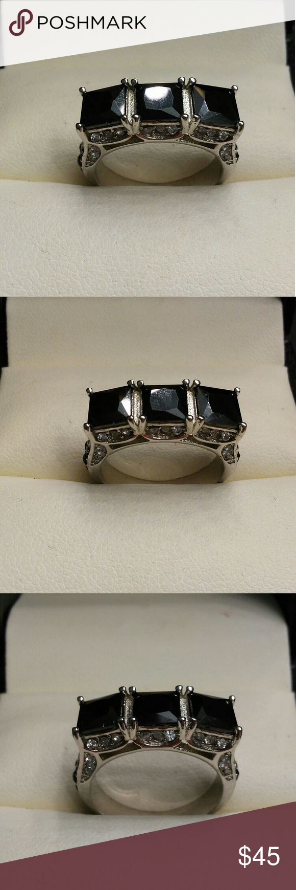4.5ctw AAA Black Diamond 316L Stainless Steel Band Beautiful 3.5 carats total weight AAA man made Black Diamonds. Solid 316L stainless steel band. Size 8 estate 925 Jewelry Rings