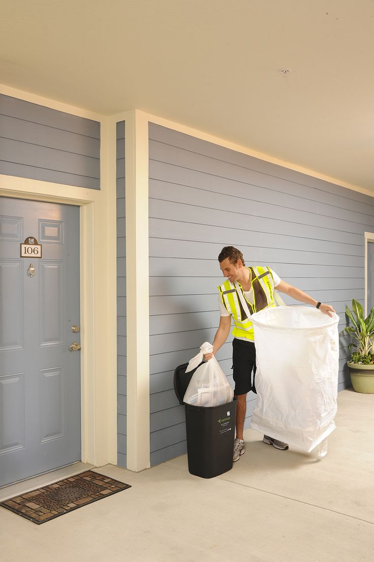5 nights a week doorstep trash and recycling collection for multifamily housing nationwide. Our valets are professional and take pride in partnering with your community to provide the resident voted #1 amenity.