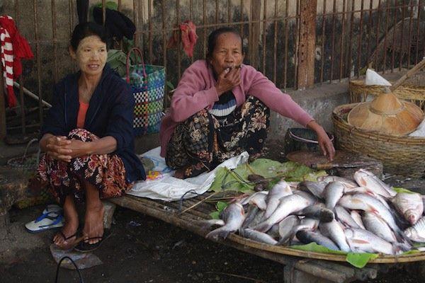 Reise nach Myanmar (2012): Markt in Pyay. Mehr Bilder von Pyay und Umgebung: https://www.bergauf.ch/exped/reise-nach-myanmar/pyay