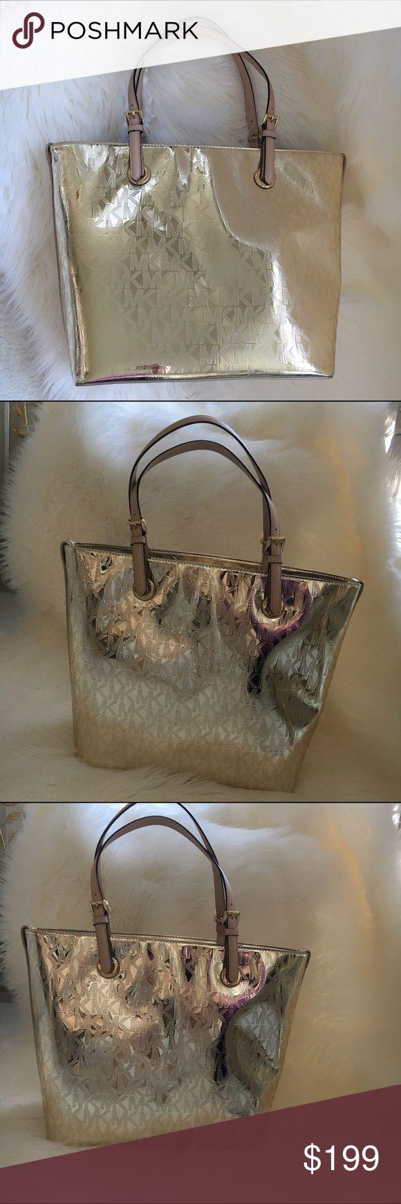 MICHAEL KORS gold shoulder bag Jet set handbag in Pale Gold by Michael Kors . Straps are a pale tan leather. New ! Authentic 🚫trades Michael Kors Bags Shoulder Bags