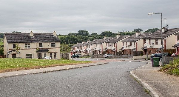 BreakingNews.ie   More than one in four people offered a social house in Dublin have rejected it, it has been reported today. The Sunday Independent reports that of the 1,009 houses offered to people on the waiting list last year, 300 either turned them down or did notrespond to the offer. The... - #Dublin, #House, #Offered, #People, #Quarter, #Social, #TopStories