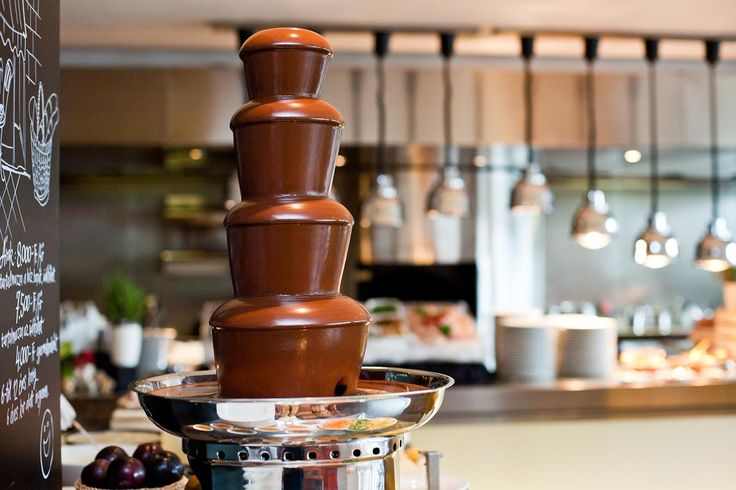 Chocolate fountain to start happily the day at our Sunday Brunch