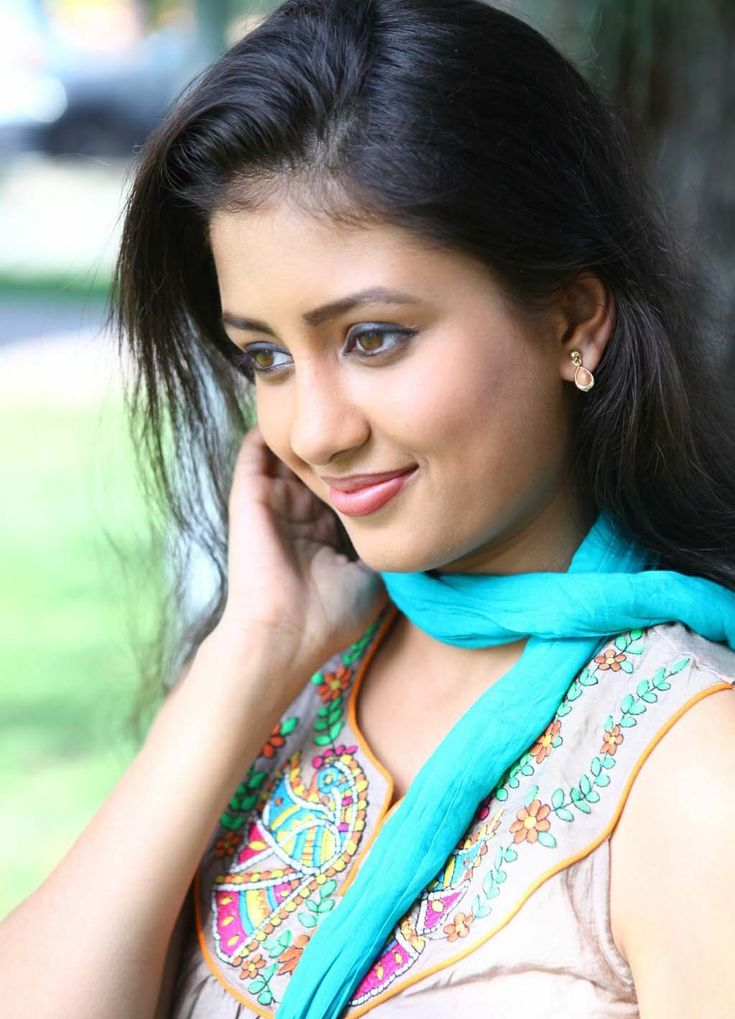 Kanika Tiwari smile