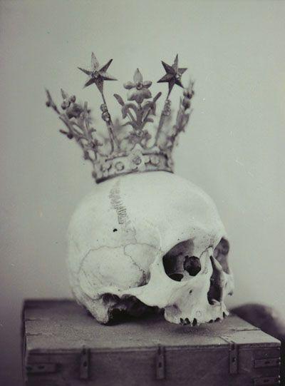 Skull & crown