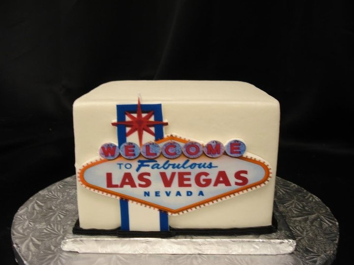 24 best Las Vegas Wedding Cakes images on Pinterest Groom cake