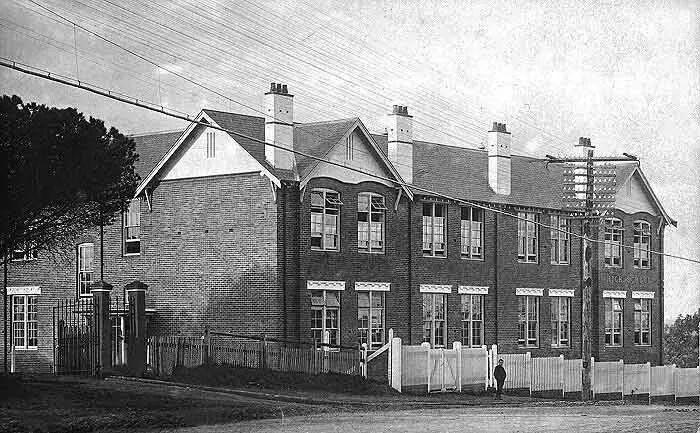Parramatta High School in 1922.A♥W
