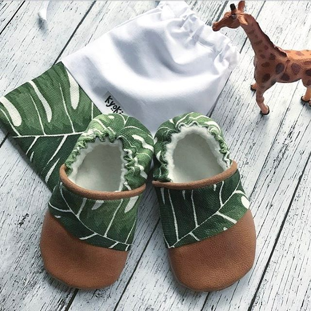 Monstera Leaf botanical babyshoes .. how cute! @kyokibabygear on instagram