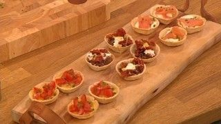 Emergency hearty canapés - Bread cups | Recipes | Let's Do Lunch | Let's Do Christmas Lunch