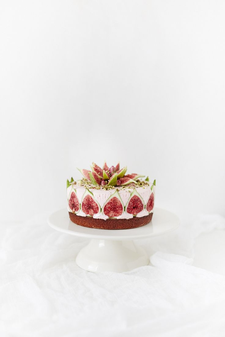 Pistachio & almond cake, rosewater cheesecake, figs, figs and a fig flower…