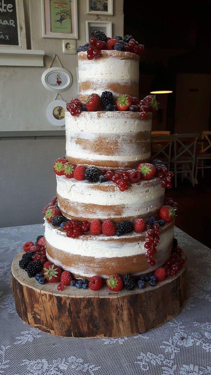 Onze geweldige droomtaart, mijn wens kwam in vervulling met deze prachtige naked-cake met fruit van de Cake-koningin op onze vintage wedding.