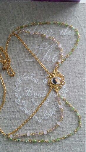 Pre-Raphaelite necklace.