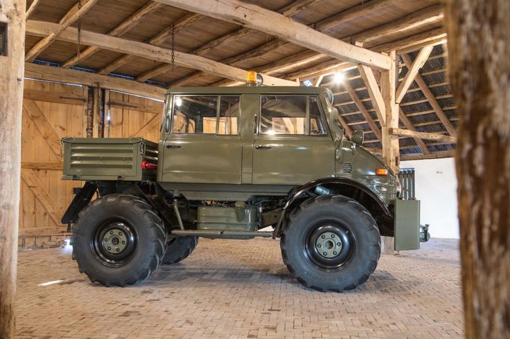Luftwaffe Mercedes-Benz Unimog 2