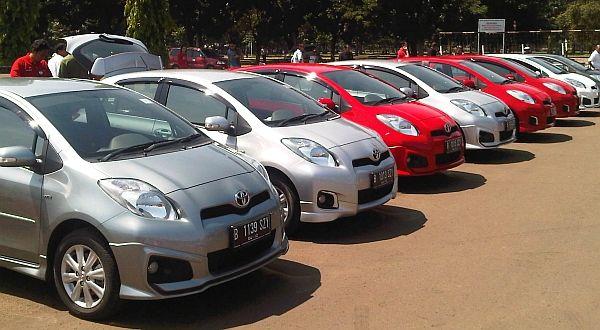 sewa rental mobil di Jakarta Depok Bogor Tangerang: Mobil Toyota Jamboree 2012 Serentak di Tiga Kota