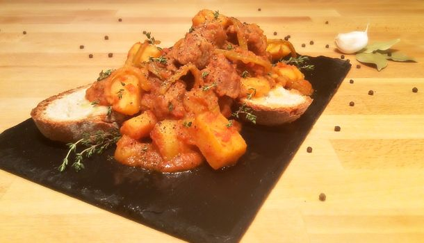 """""""Veal Spezzatino with Potatoes"""" recipe"""" Here is the recipe for a classic family sunday meal. And it tastes better if you eat it along with some rustic bread!"""
