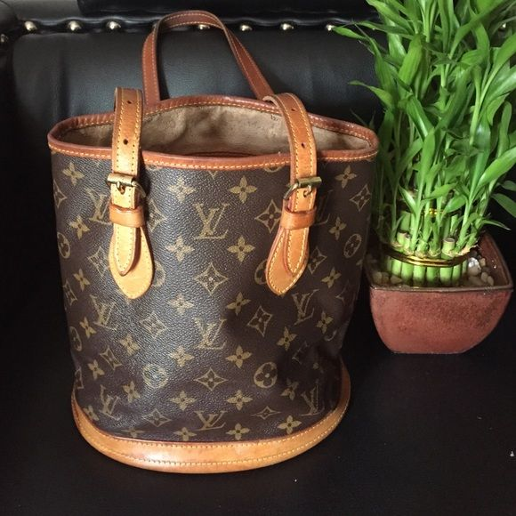 Auth Louis Vuitton Bucket Bag Louis Vuitton Small Bucket Bag.  Authentic Louis Vuitton Bags