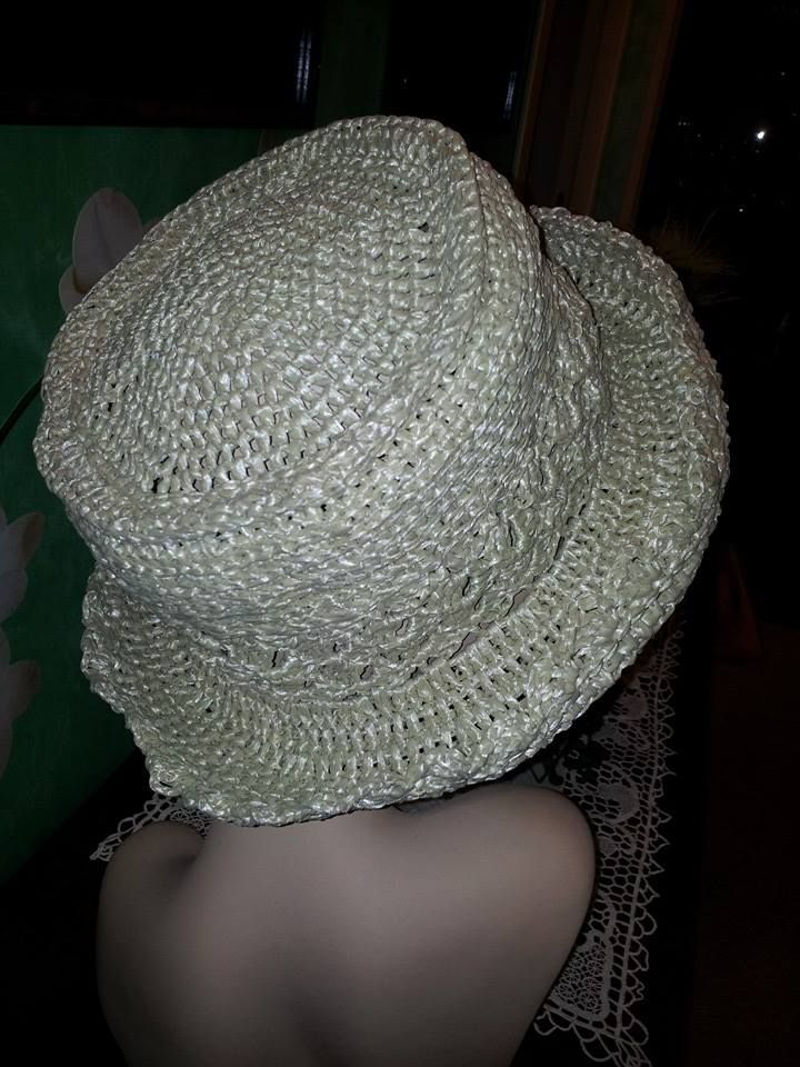 Cappello uncinetto estivo in rafia vegetale 100%