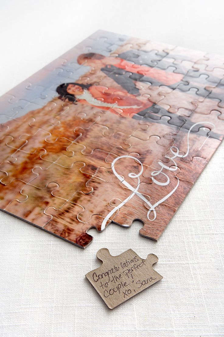 Photo puzzle guest book alternative by Shutterfly | The Pink Bride www.thepinkbride.com