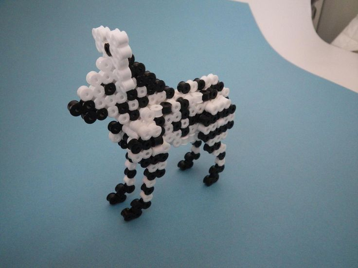 DIY 3D Zebra perler beads - Photo tutorial