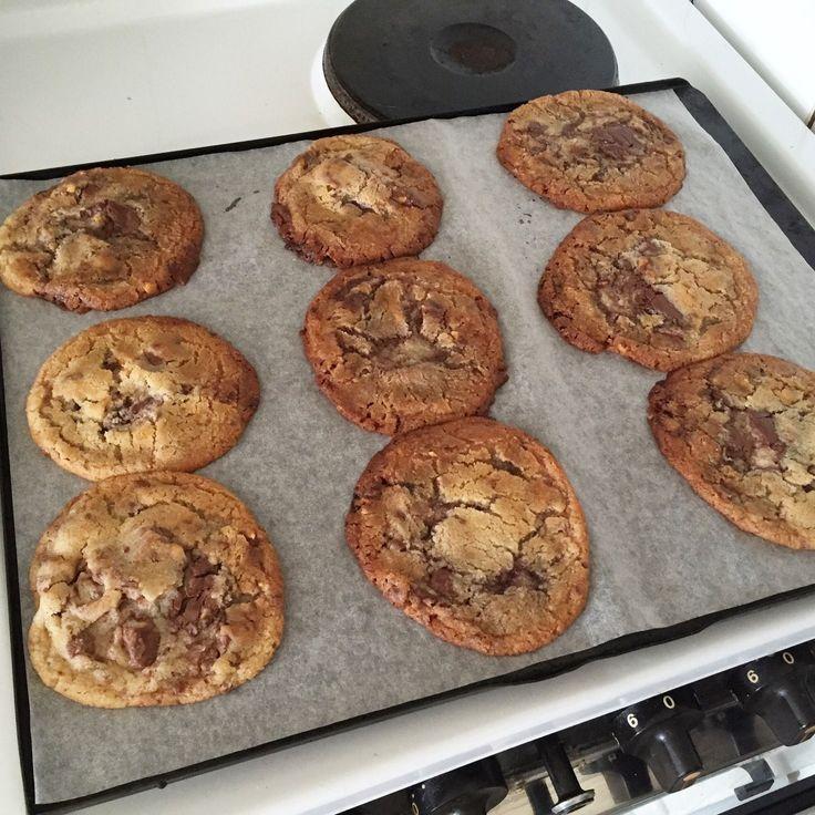 En blandning av subway cookies och nutella, fantastiskt eller hur ?! Vattnas i munnen...  125 g smör 1,5dl socker (gärna kokossocker) 1,5 tsk bakpulver 1