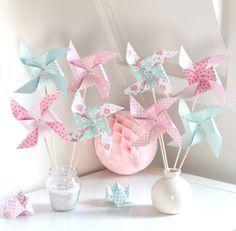 8 moulins à vent dans les tons roses et vert d'eau pour baptême, anniversaire...