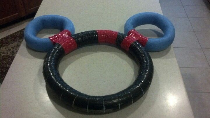 Pool noodle Mickey Mouse wreath
