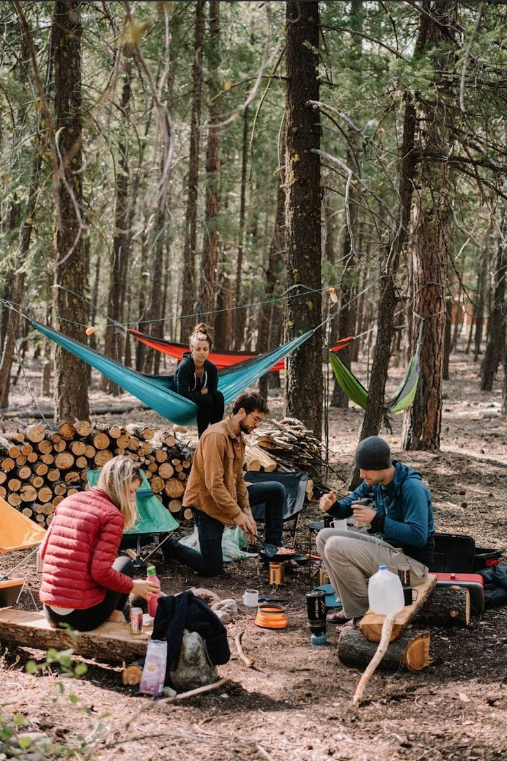 Roo™ The World's Best Camping Hammock The Roo is a camping hammock built for life changing adventure. Inspired by the kangaroo, this camping hammock will get you off the ground in a hurry, give you a