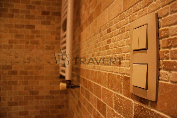 Kúpeľňa z Classic travertínu nevyplneného omieľaného – byt Bratislava 3 veže | Travert s.r.o.