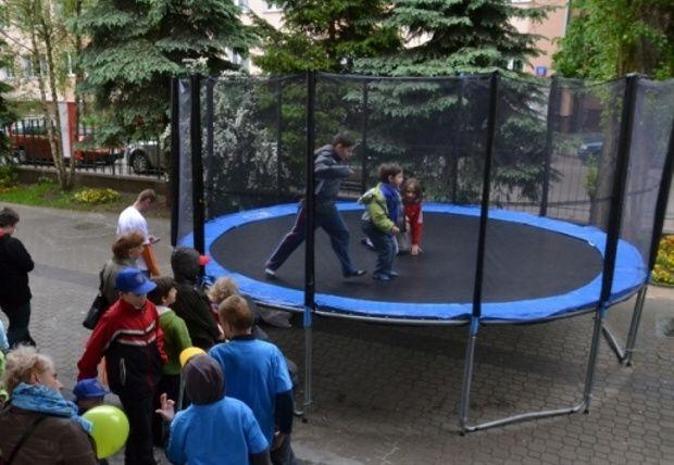 Wielkie trampoliny wynajem warszawa 600950777 http://niepowtarzalneurodziny.pl/