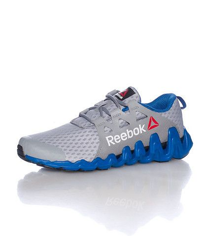 REEBOK Low top men's sneaker Lace up closure Mesh for ventilation REEBOK  logo on sides Cushioned